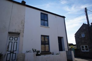 2 bed end-terrace house