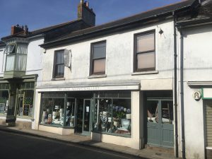 3 bed flat and shop (mixed use)