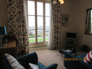 1 bed furnished apartment in town centre