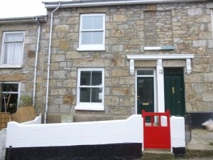 2 Bedroomed terraced house in central Penzance.