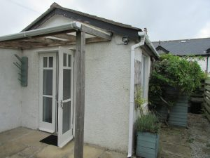 A furnished one bed bungalow in St Hilary.